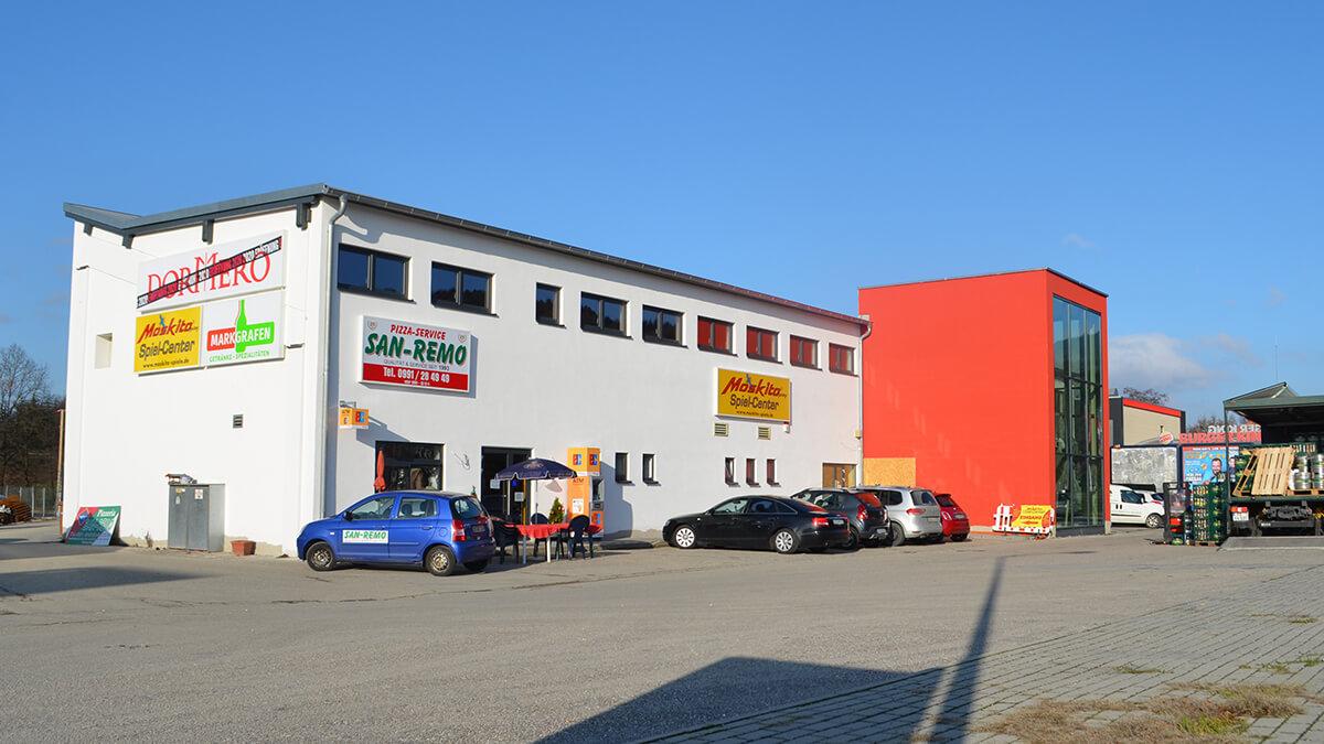 Die Firma Schlumprecht in Deggendorf von Außen